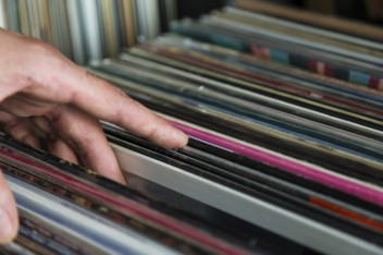 Record sales: vinyl hits 25-year high