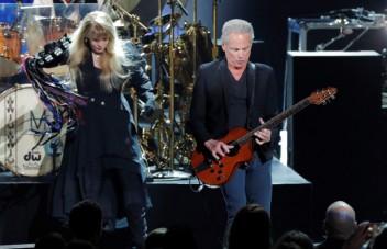 Fleetwood Mac Fires Lindsey Buckingham